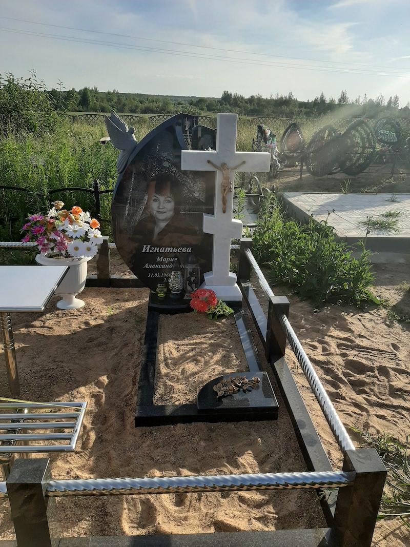 памятник крест минск фото