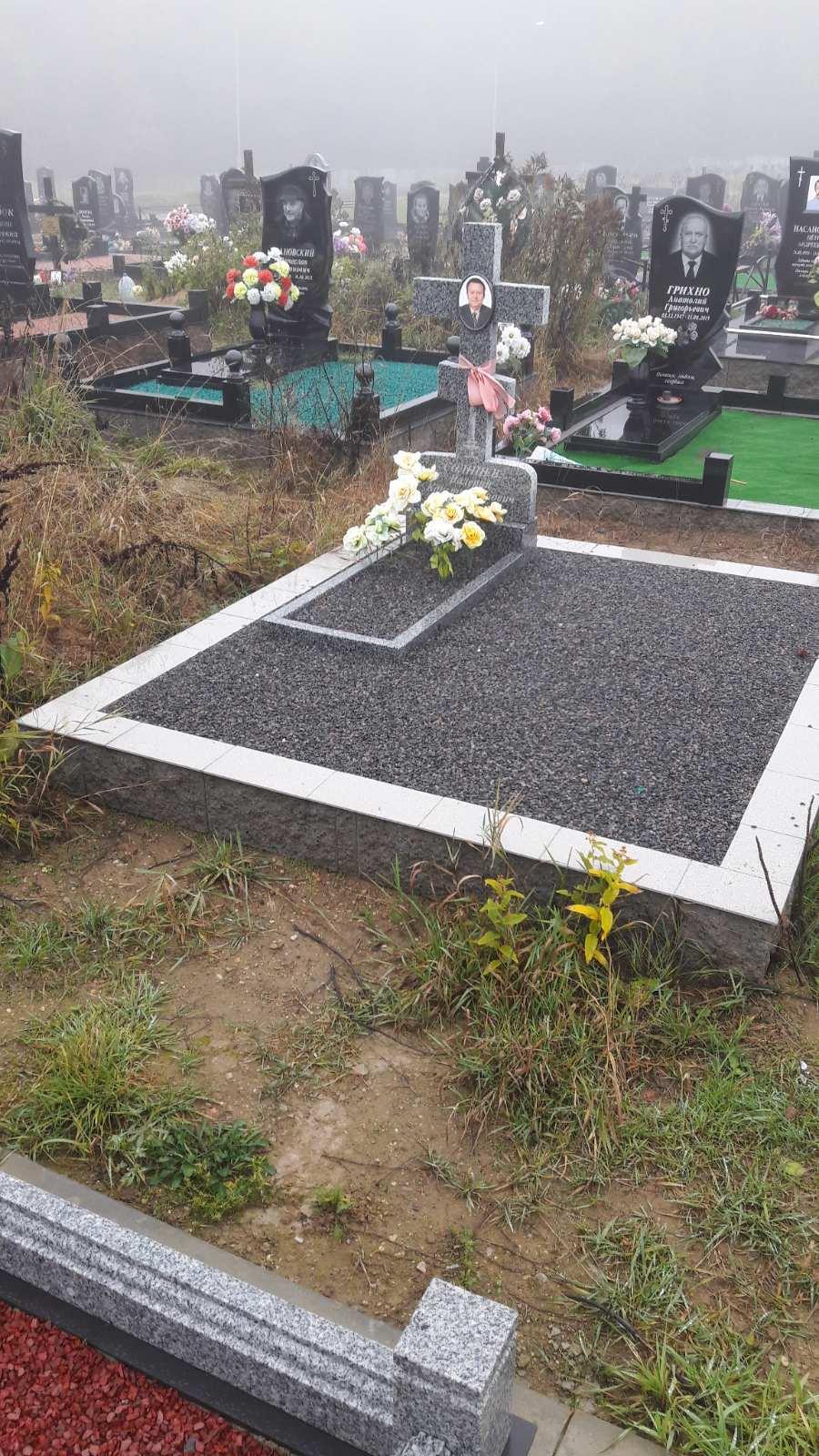 памятник в виде креста на могилу фото